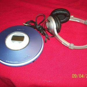 Good Sony CD Walkman ATRAC three plus MP3 Participant With Free Earphones